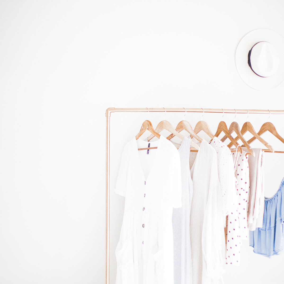 Curating my Wardrobe | Unpacking & Figuring out a Process